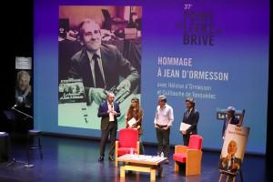 Hommage à Jean d'Ormesson en présence de sa fille Héloïse d'Ormesson au Théâtre.